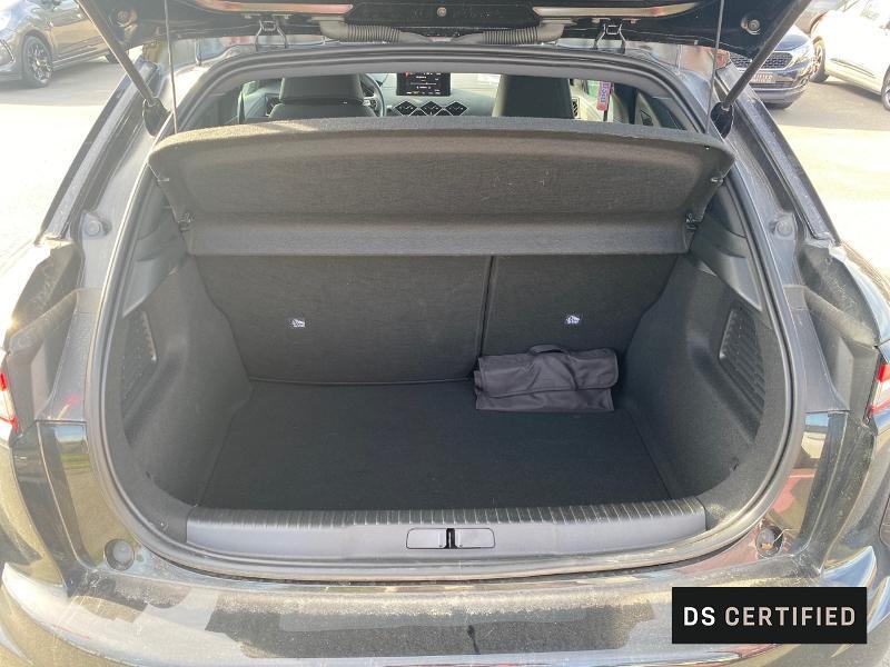 Photo 6 de l'offre de DS DS 3 Crossback BlueHDi 130ch So Chic Automatique 7cv à 32500€ chez MURET - Citroën, DS Automobiles, VO toutes marques