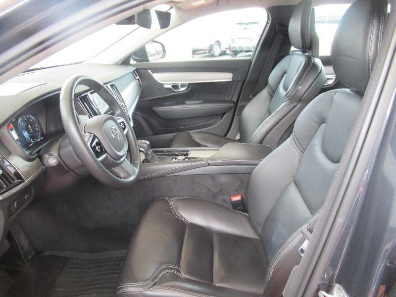 Photo 9 de l'offre de VOLVO V90 D5 AWD 235ch Inscription Geartronic à 34950€ chez Citroën Côte Basque / DS STORE Côte Basque