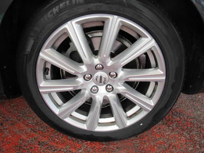 Photo 11 de l'offre de VOLVO V90 D5 AWD 235ch Inscription Geartronic à 34950€ chez Citroën Côte Basque / DS STORE Côte Basque