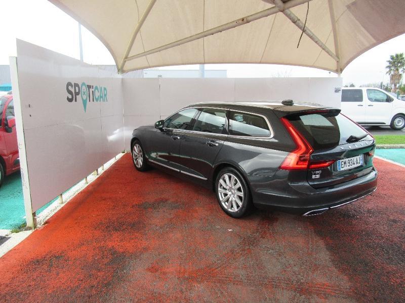 Photo 7 de l'offre de VOLVO V90 D5 AWD 235ch Inscription Geartronic à 34950€ chez Citroën Côte Basque / DS STORE Côte Basque