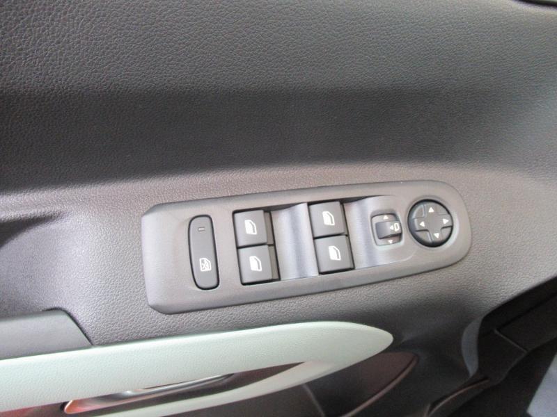 Photo 14 de l'offre de CITROEN Berlingo M BlueHDi 130ch S&S Shine à 27950€ chez Citroën Côte Basque / DS STORE Côte Basque