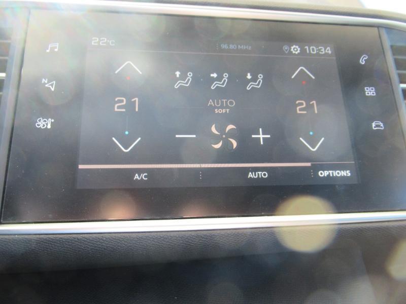 Photo 17 de l'offre de PEUGEOT 308 SW 1.5 HDI 130 BVM6 BUSINESS LINE BLUE à 16950€ chez Citroën Côte Basque / DS STORE Côte Basque