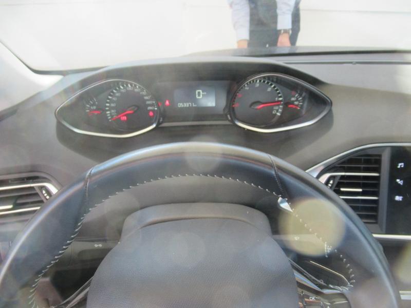 Photo 8 de l'offre de PEUGEOT 308 SW 1.5 HDI 130 BVM6 BUSINESS LINE BLUE à 16950€ chez Citroën Côte Basque / DS STORE Côte Basque