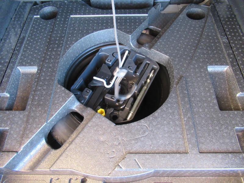 Photo 14 de l'offre de PEUGEOT 308 SW 1.5 HDI 130 BVM6 BUSINESS LINE BLUE à 16950€ chez Citroën Côte Basque / DS STORE Côte Basque