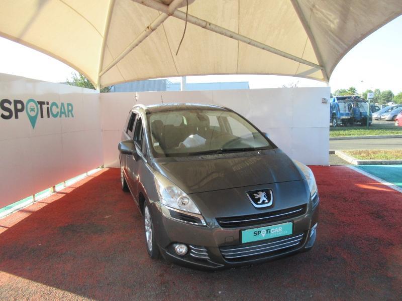 Peugeot 5008 1.6 e-HDi115 FAP Allure BMP6 7pl Diesel GRIS SHARK Occasion à vendre