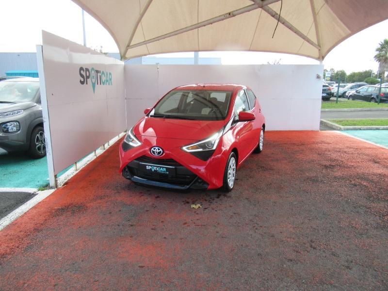 Toyota Aygo 1.0 VVT-i 72ch x-play 5P Essence ROUGE Occasion à vendre