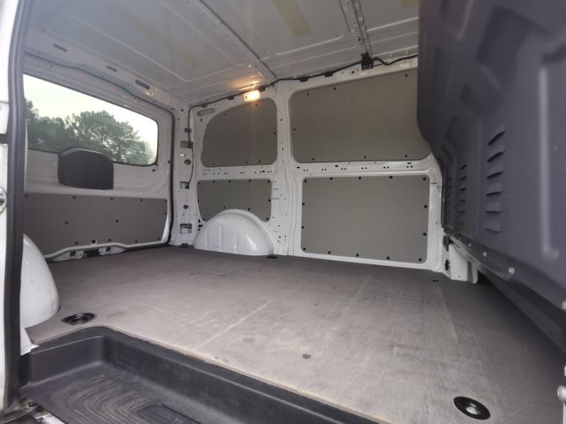 Photo 9 de l'offre de MERCEDES-BENZ Vito Fg 116 CDI Compact Pro BVA à 22990€ chez Cotten Autos avenue de la gare