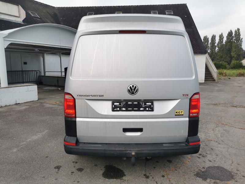 Photo 6 de l'offre de VOLKSWAGEN Transporter T6 3.2T L2H1 2.0 TDI 204 4Motion TTC à 31990€ chez Cotten Autos avenue de la gare