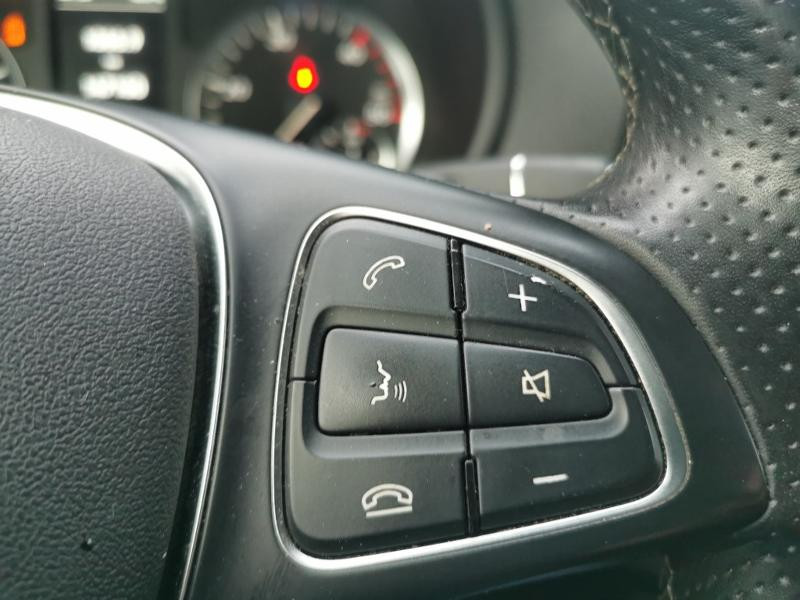 Photo 16 de l'offre de MERCEDES-BENZ Vito Fg 116 CDI Compact Pro BVA à 22990€ chez Cotten Autos avenue de la gare