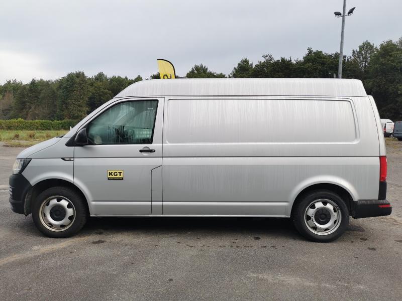 Photo 4 de l'offre de VOLKSWAGEN Transporter T6 3.2T L2H1 2.0 TDI 204 4Motion TTC à 31990€ chez Cotten Autos avenue de la gare