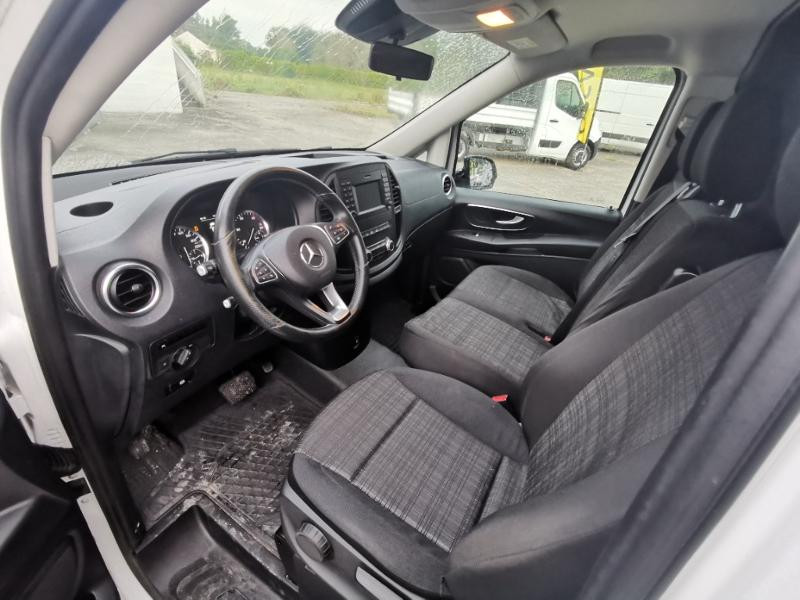 Photo 11 de l'offre de MERCEDES-BENZ Vito Fg 116 CDI Compact Pro BVA à 22990€ chez Cotten Autos avenue de la gare