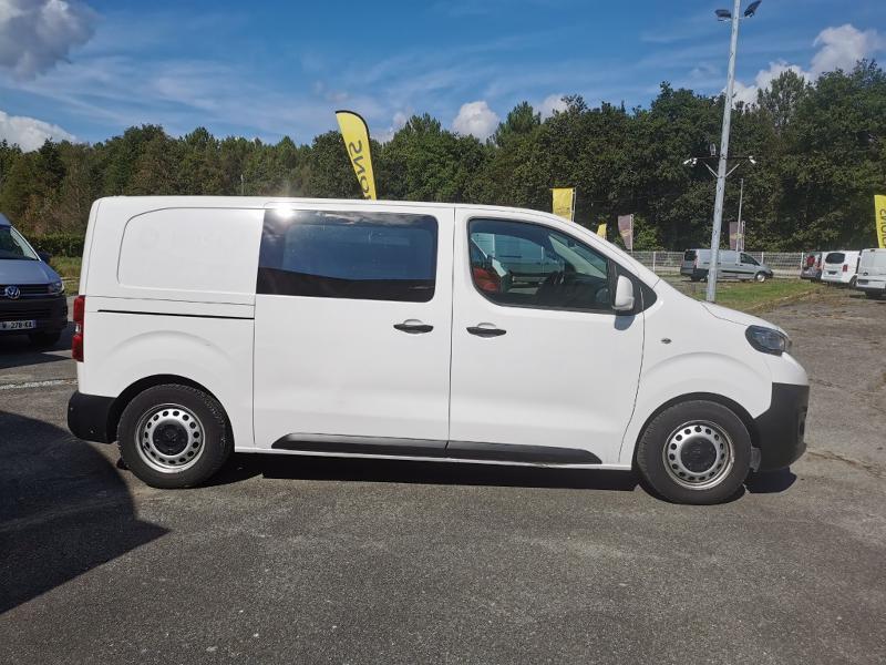 Photo 2 de l'offre de PEUGEOT Expert M 1.6 BlueHDi 115 Premium Pack HAYON VITRE à 22390€ chez Cotten Autos avenue de la gare