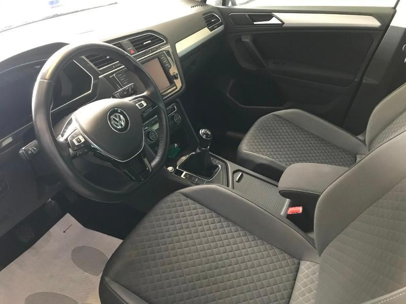 Photo 5 de l'offre de VOLKSWAGEN Tiguan 2.0 TDI 150 Confortline Business 4Motion à 21990€ chez Cotten Autos avenue de la gare