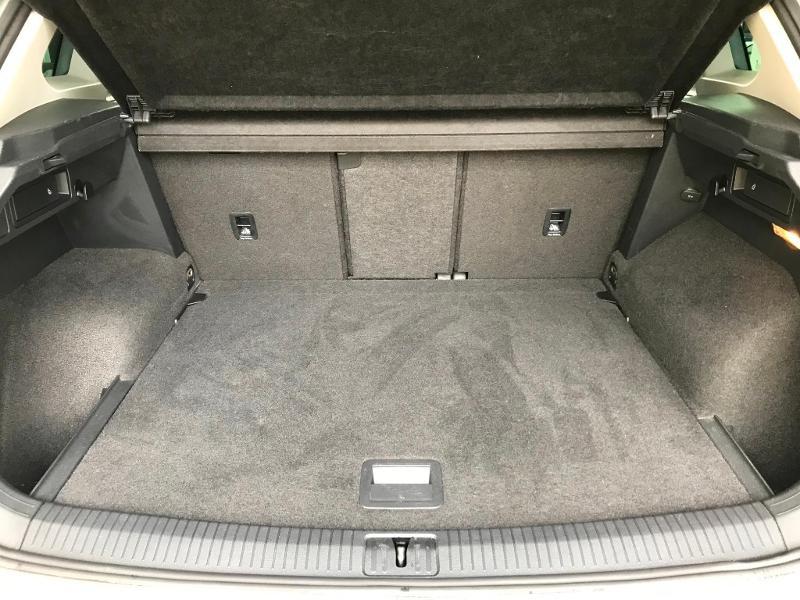 Photo 12 de l'offre de VOLKSWAGEN Tiguan 2.0 TDI 150 Confortline Business 4Motion à 21990€ chez Cotten Autos avenue de la gare
