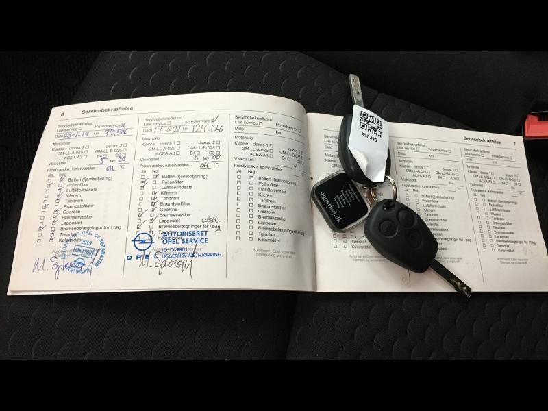 Photo 19 de l'offre de OPEL Vivaro / Trafic F2900 L1H1 1.6 CDTI BiTurbo 140 Pack Clim + à 17690€ chez Cotten Autos avenue de la gare