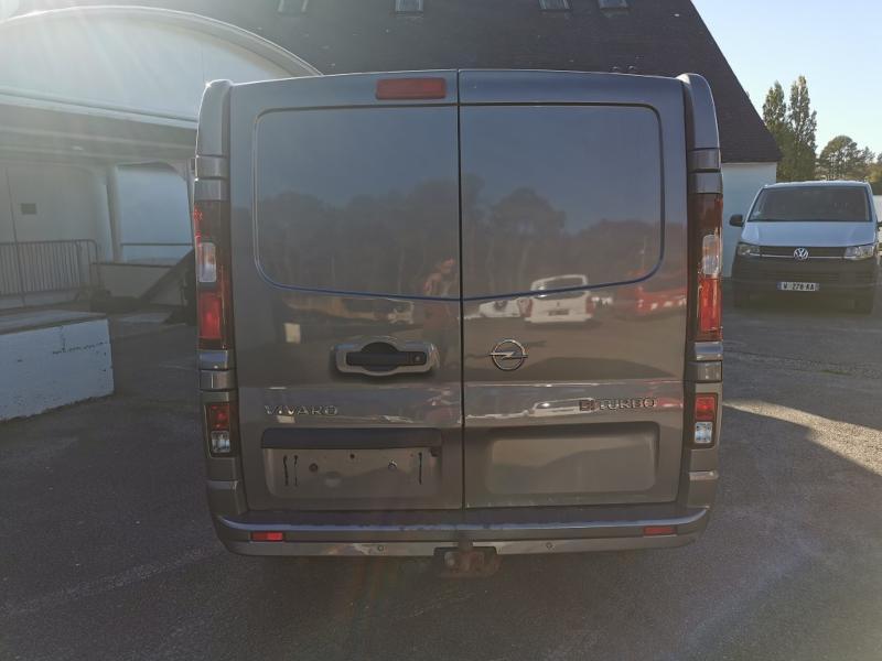 Photo 6 de l'offre de OPEL Vivaro / Trafic F2900 L1H1 1.6 CDTI BiTurbo 140 Pack Clim + à 17690€ chez Cotten Autos avenue de la gare