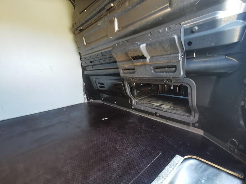 Photo 10 de l'offre de OPEL Vivaro / Trafic F2900 L1H1 1.6 CDTI BiTurbo 140 Pack Clim + à 17690€ chez Cotten Autos avenue de la gare