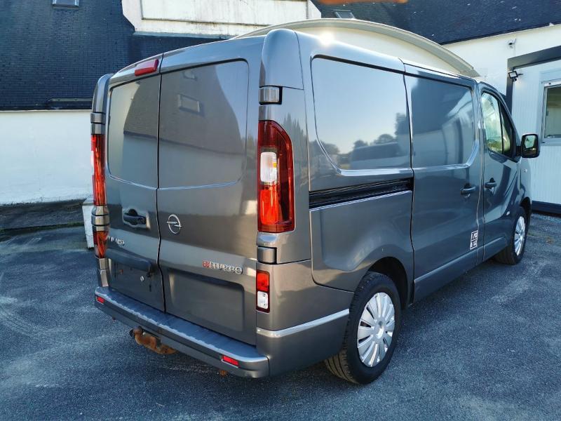 Photo 7 de l'offre de OPEL Vivaro / Trafic F2900 L1H1 1.6 CDTI BiTurbo 140 Pack Clim + à 17690€ chez Cotten Autos avenue de la gare