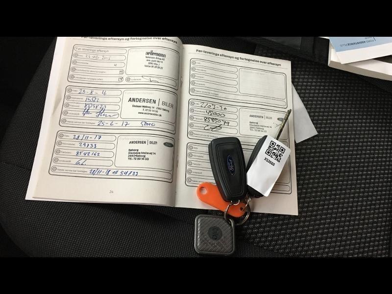 Photo 13 de l'offre de FORD Transit Custom Kombi 310 L2H1 2.2 TDCi 100 Ambiente à 25990€ chez Cotten Autos avenue de la gare