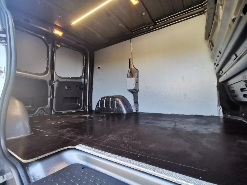 Photo 9 de l'offre de OPEL Vivaro / Trafic F2900 L1H1 1.6 CDTI BiTurbo 140 Pack Clim + à 17690€ chez Cotten Autos avenue de la gare
