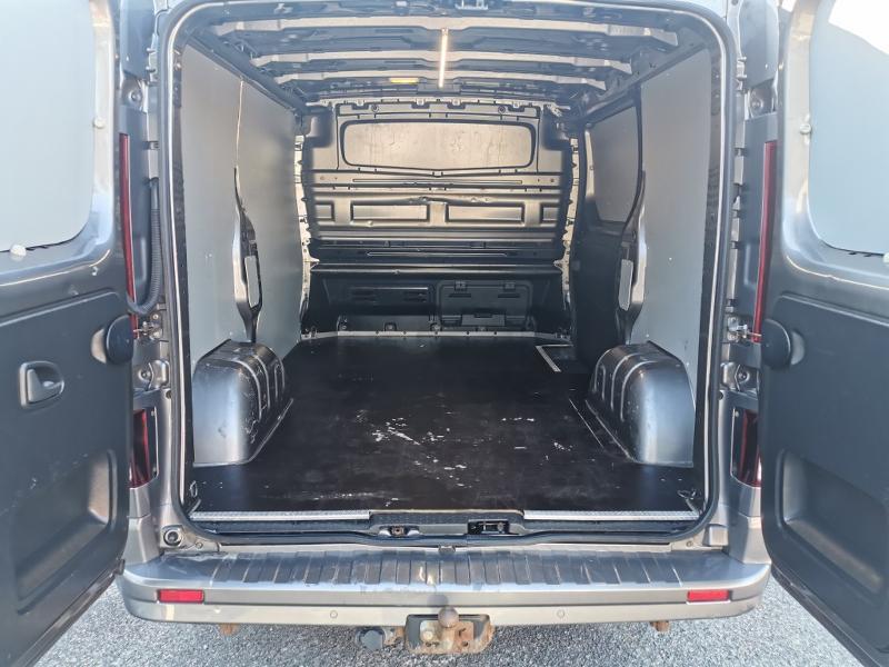 Photo 8 de l'offre de OPEL Vivaro / Trafic F2900 L1H1 1.6 CDTI BiTurbo 140 Pack Clim + à 17690€ chez Cotten Autos avenue de la gare
