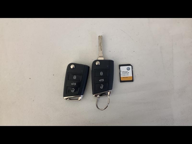Photo 15 de l'offre de VOLKSWAGEN Tiguan 2.0 TDI 150 Confortline Business 4Motion DSG7 Euro6d-T à 33990€ chez Cotten Autos avenue de la gare