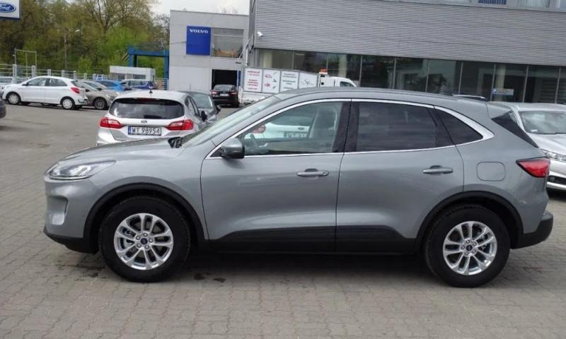 Photo 3 de l'offre de FORD KUGA 1.5 ECOBOOST 150CH TITANIUM à 26500€ chez YM Automobiles