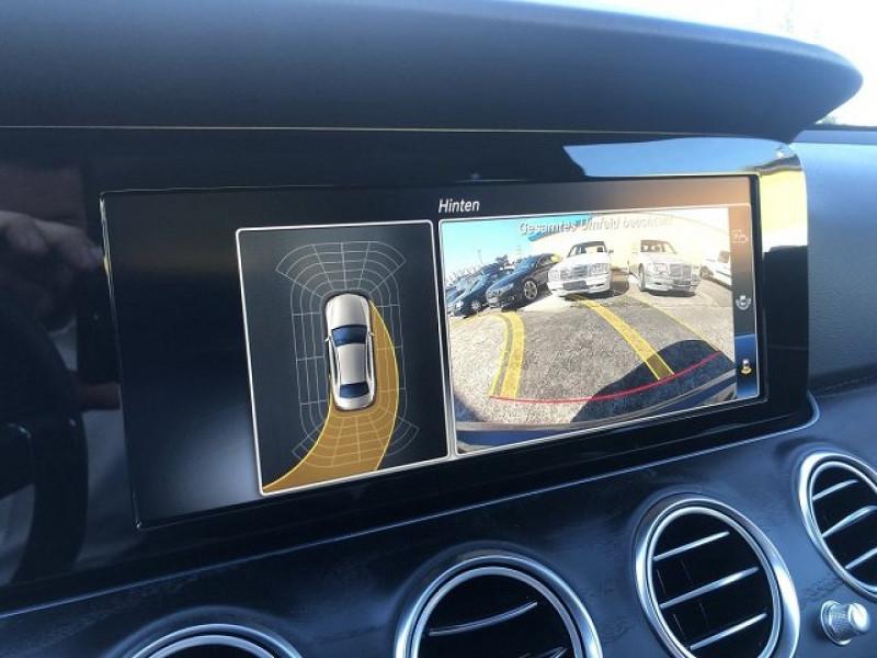 Photo 5 de l'offre de MERCEDES-BENZ CLASSE E (W213) 220 D 194CH AVANTGARDE LINE 9G-TRONIC EURO6D-T-EVAP-ISC à 38000€ chez YM Automobiles