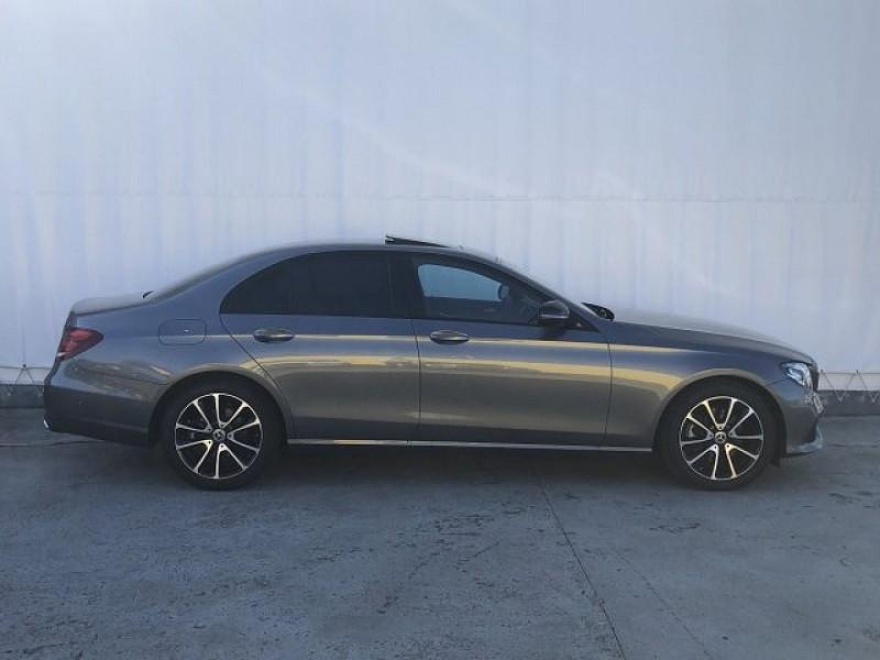 Photo 10 de l'offre de MERCEDES-BENZ CLASSE E (W213) 220 D 194CH AVANTGARDE LINE 9G-TRONIC EURO6D-T-EVAP-ISC à 38000€ chez YM Automobiles