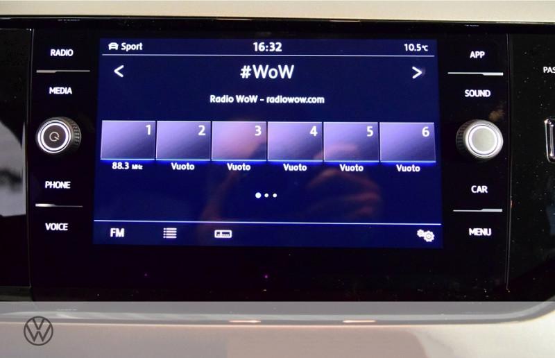 Photo 9 de l'offre de VOLKSWAGEN POLO 1.0 TSI 95CH R-LINE EURO6D-T à 23100€ chez YM Automobiles