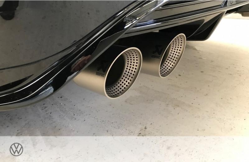Photo 17 de l'offre de VOLKSWAGEN T-ROC 2.0 TSI 300CH R 4MOTION DSG7 EURO6D-T à 47465€ chez YM Automobiles