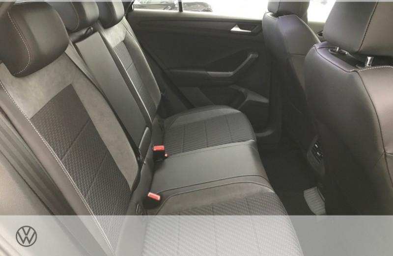 Photo 8 de l'offre de VOLKSWAGEN T-ROC 2.0 TSI 300CH R 4MOTION DSG7 EURO6D-T à 47465€ chez YM Automobiles