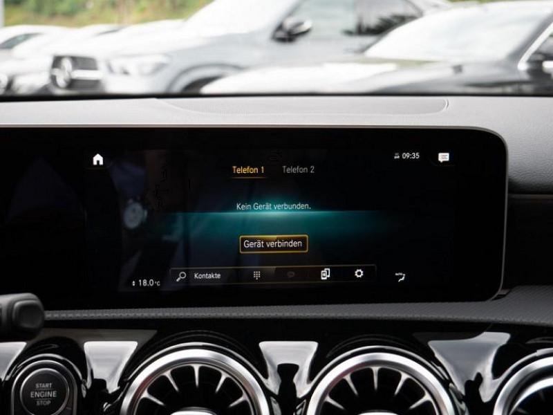 Photo 9 de l'offre de MERCEDES-BENZ CLASSE A BERLINE 35 AMG 306CH 4MATIC 7G-DCT SPEEDSHIFT AMG à 56000€ chez YM Automobiles