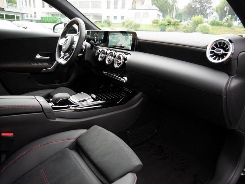 Photo 17 de l'offre de MERCEDES-BENZ CLASSE A BERLINE 35 AMG 306CH 4MATIC 7G-DCT SPEEDSHIFT AMG à 56000€ chez YM Automobiles