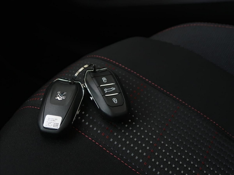 Photo 25 de l'offre de PEUGEOT 308 SW 1.5 BLUEHDI 130CH S&S GT LINE EAT8 à 23185€ chez YM Automobiles