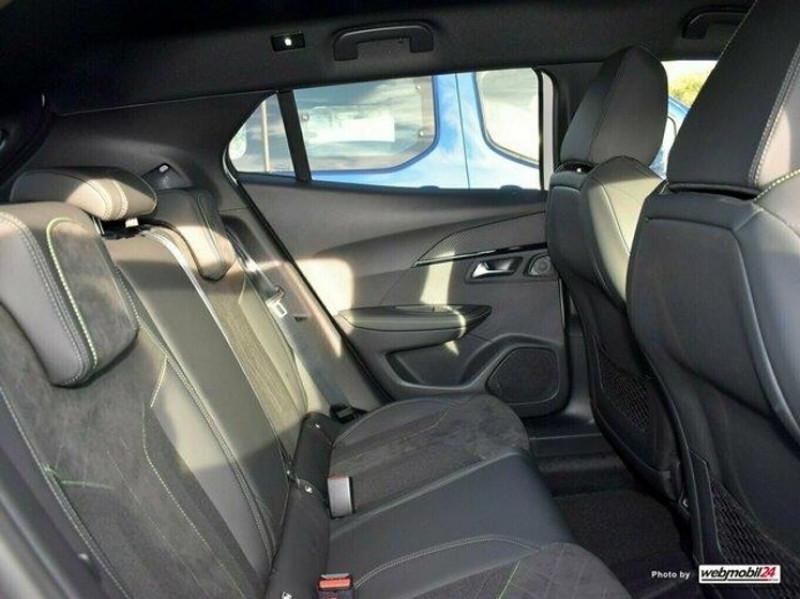 Photo 13 de l'offre de PEUGEOT 2008 1.2 PURETECH 155CH S&S GT EAT8 à 31000€ chez YM Automobiles