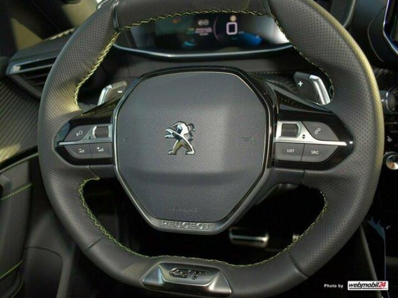 Photo 11 de l'offre de PEUGEOT 2008 1.2 PURETECH 155CH S&S GT EAT8 à 31000€ chez YM Automobiles