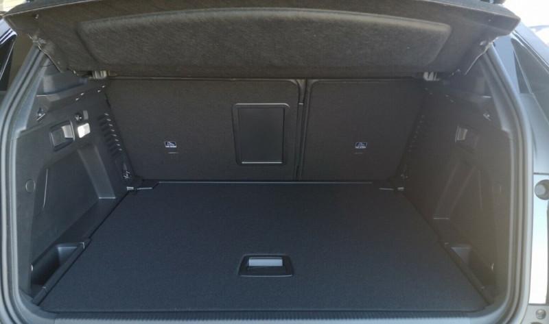 Photo 7 de l'offre de PEUGEOT 3008 2.0 BLUEHDI 180CH S&S GT EAT8 à 40200€ chez YM Automobiles