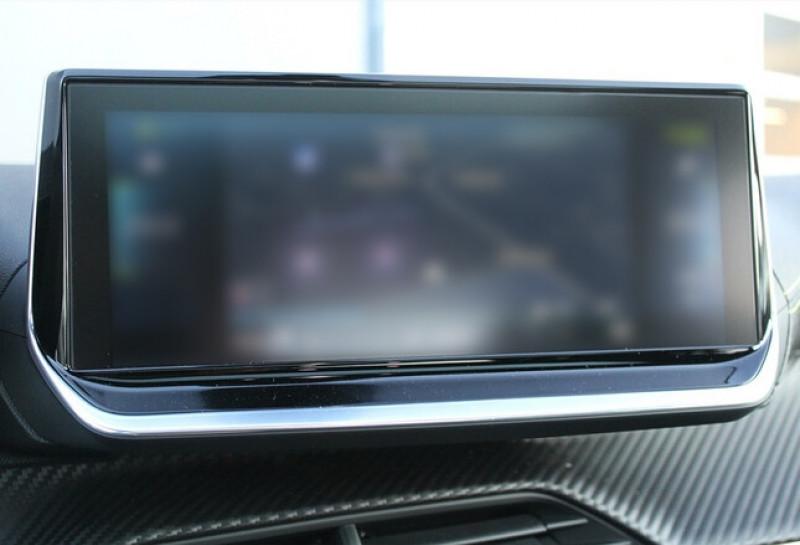 Photo 16 de l'offre de PEUGEOT 208 E-208 136CH GT à 33000€ chez YM Automobiles