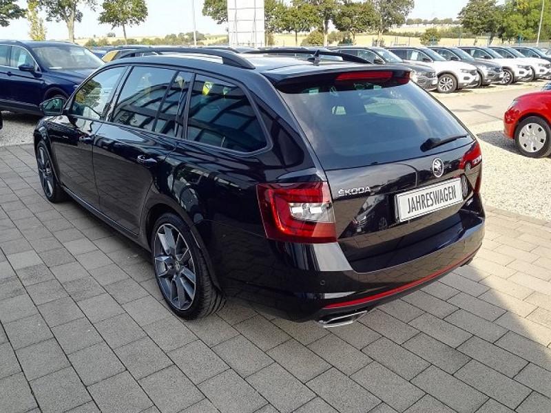 Photo 4 de l'offre de SKODA OCTAVIA BREAK 2.0 TSI 245CH RS DSG7 EURO6D-T EVAP à 35100€ chez YM Automobiles