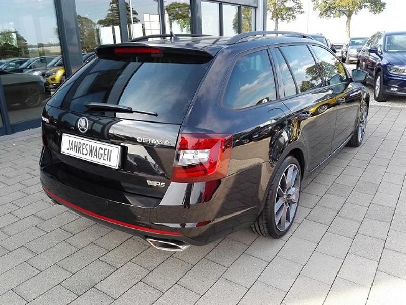 Photo 6 de l'offre de SKODA OCTAVIA BREAK 2.0 TSI 245CH RS DSG7 EURO6D-T EVAP à 35100€ chez YM Automobiles