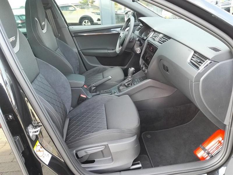 Photo 8 de l'offre de SKODA OCTAVIA BREAK 2.0 TSI 245CH RS DSG7 EURO6D-T EVAP à 35100€ chez YM Automobiles