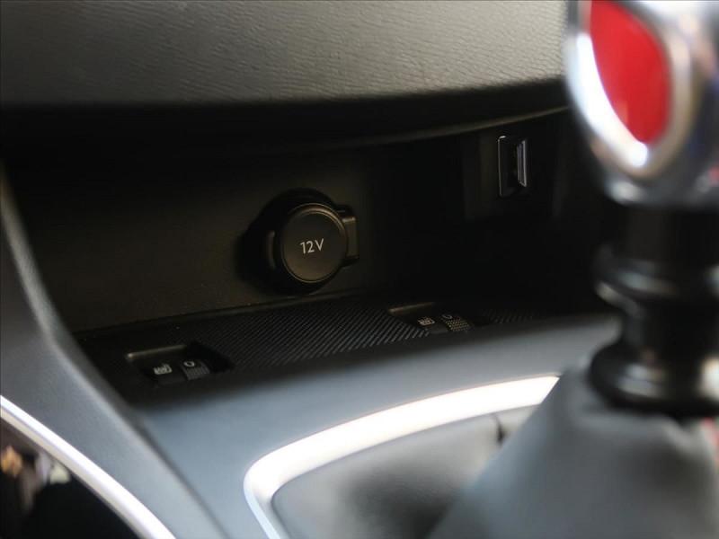 Photo 16 de l'offre de PEUGEOT 308 1.6 PURETECH 263CH E6.2 EVAP S&S GTI à 32000€ chez YM Automobiles