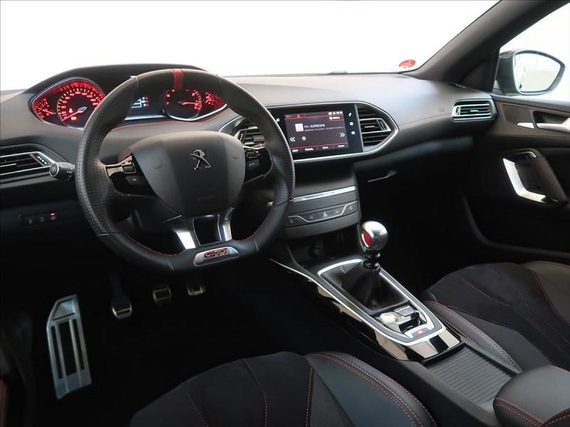 Photo 14 de l'offre de PEUGEOT 308 1.6 PURETECH 263CH E6.2 EVAP S&S GTI à 32000€ chez YM Automobiles