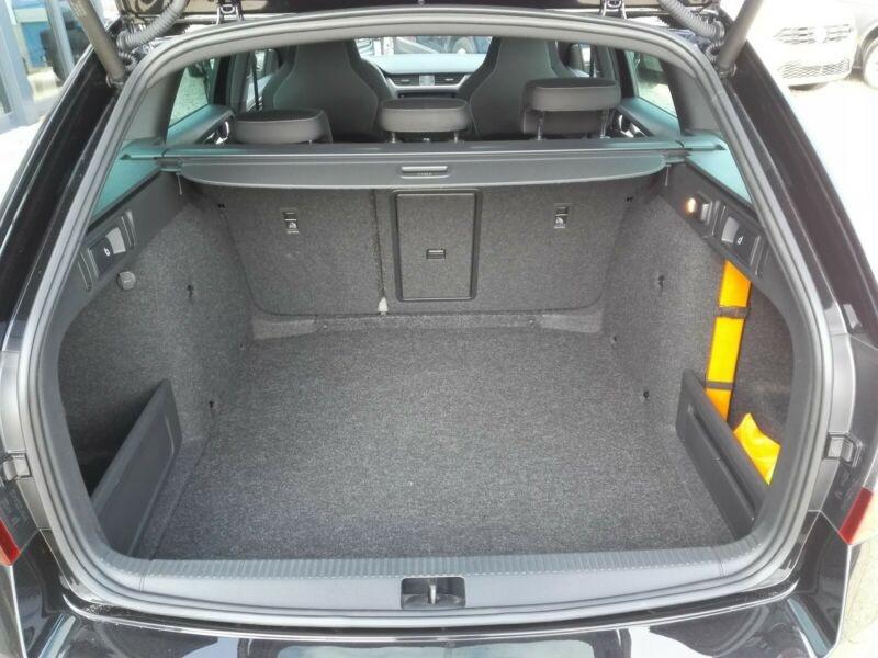 Photo 12 de l'offre de SKODA OCTAVIA BREAK 2.0 TSI 245CH RS DSG7 EURO6D-T EVAP à 35100€ chez YM Automobiles