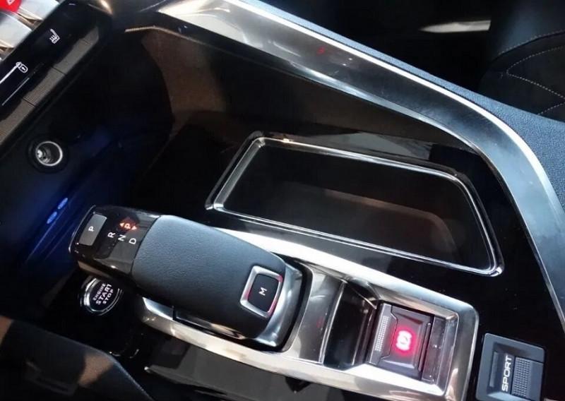 Photo 22 de l'offre de PEUGEOT 5008 2.0 BLUEHDI 180CH S&S GT EAT8 à 37920€ chez YM Automobiles