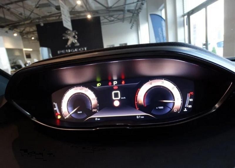 Photo 19 de l'offre de PEUGEOT 5008 2.0 BLUEHDI 180CH S&S GT EAT8 à 37920€ chez YM Automobiles