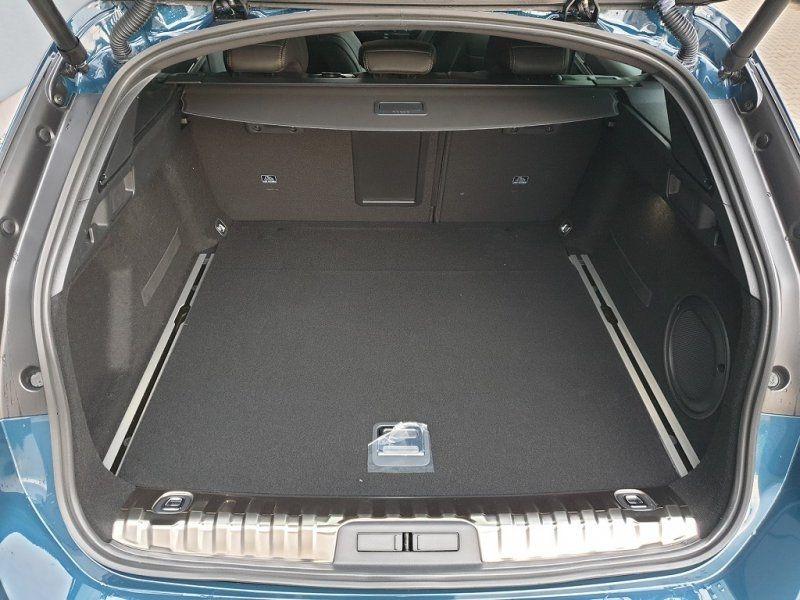 Photo 7 de l'offre de PEUGEOT 508 SW BLUEHDI 180CH S&S GT EAT8 à 44000€ chez YM Automobiles