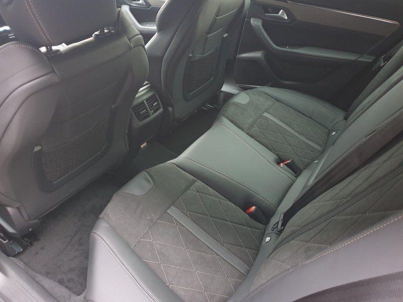 Photo 8 de l'offre de PEUGEOT 508 SW BLUEHDI 180CH S&S GT EAT8 à 44000€ chez YM Automobiles