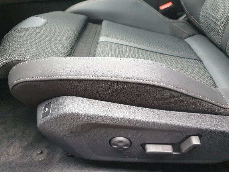 Photo 21 de l'offre de PEUGEOT 508 BLUEHDI 160CH S&S GT LINE EAT8 9CV à 40000€ chez YM Automobiles